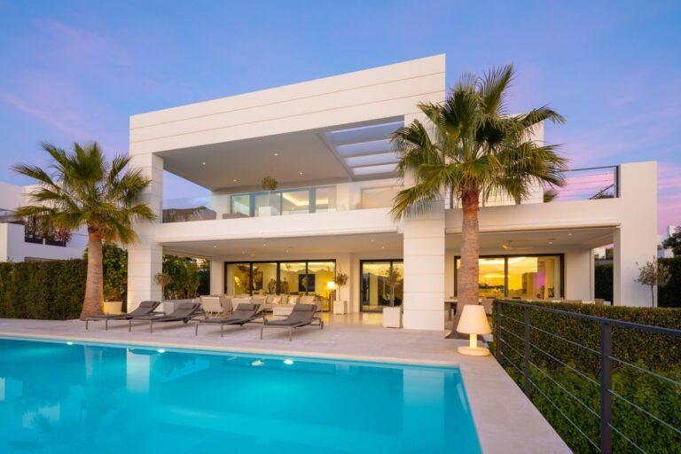 luxury villas in nueva andalucia