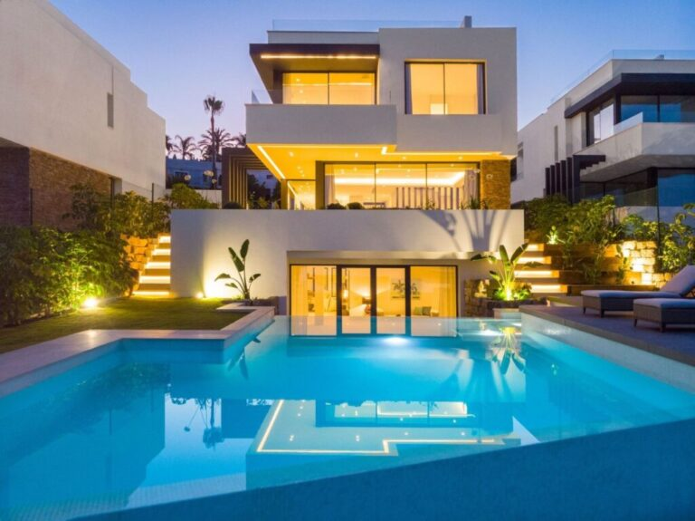 m2YPdglU Large 1024x767 1 Virtualport3d luxury Properties in Marbella and Costa del Sol