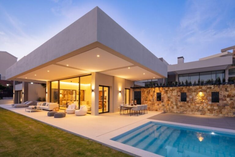 t7wvDsiF Large 1024x682 1 Virtualport3d luxury Properties in Marbella and Costa del Sol