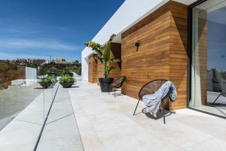 zTgvIAZ8 Large 1024x683 1 Virtualport3d luxury Properties in Marbella and Costa del Sol